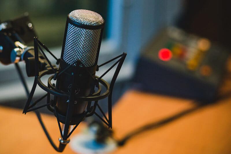 迎接台灣Podcast元年,跟著入行三步驟學英文
