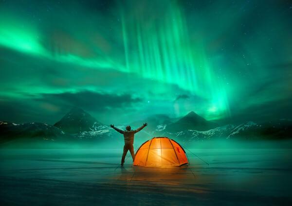 Aurora Borealis 如夢似幻的大自然燈光秀 —— 極光