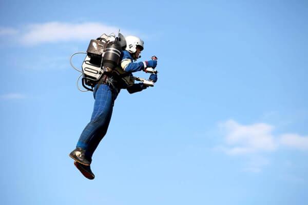 華航飛洛杉磯航班高空驚見「噴射背包客」 Person in Jetpack Spotted Again around LAX