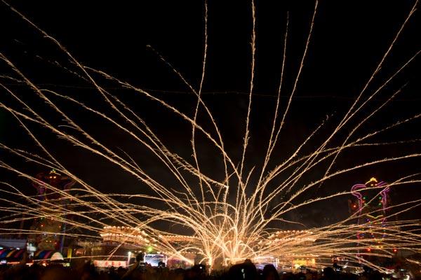 鹽水蜂炮 —— 越炸越旺、好運一直來 Yanshui Fengpao Fireworks Festival